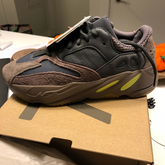 "a345f6184a5 Yeezy ""Boost 700"" size 7 in mauve"